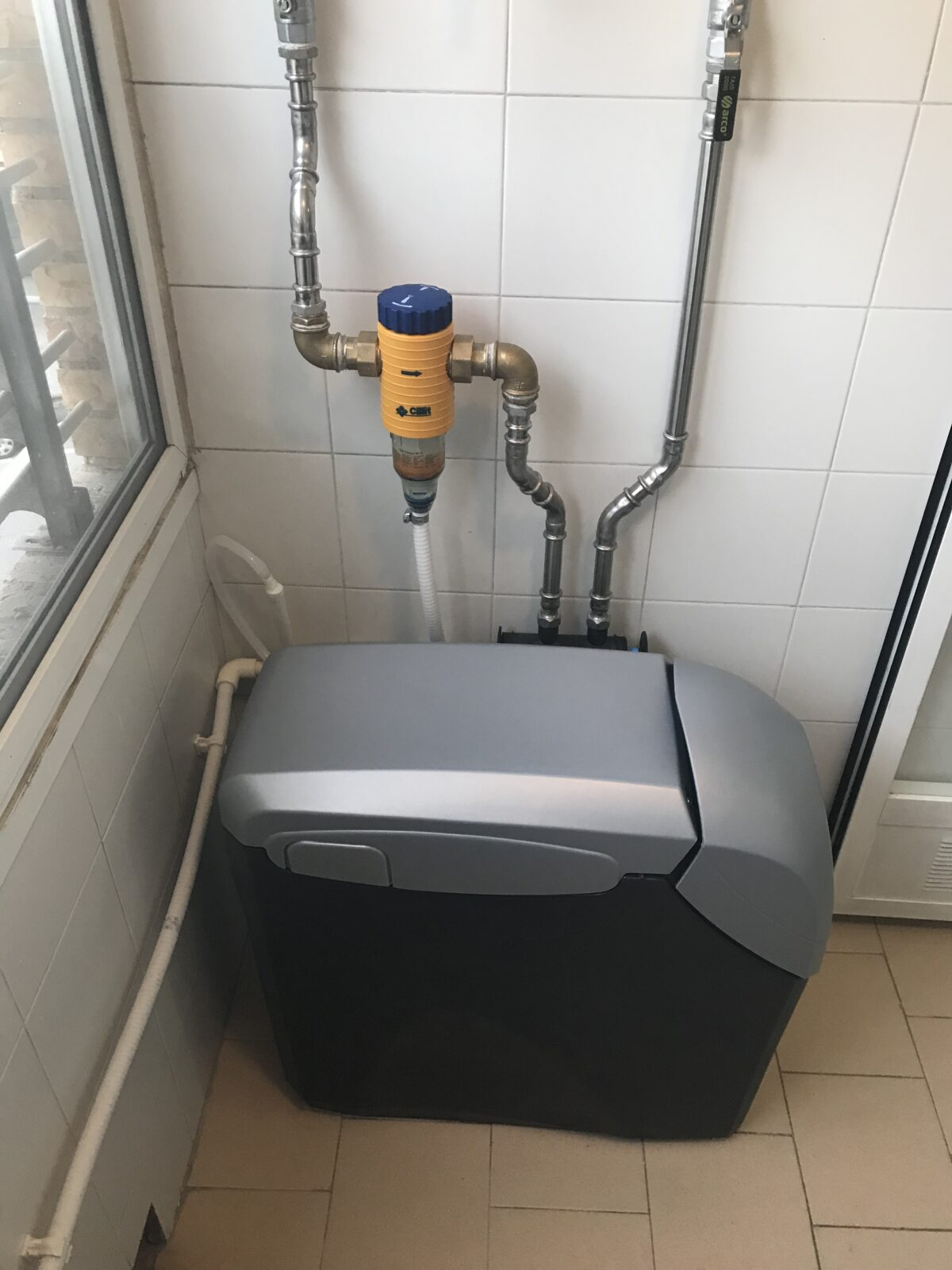 Descalcificador Kinetico 2050C y filtro Cillit Claropur